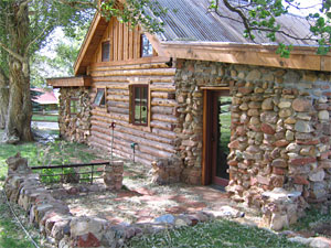 Gate House, Cozy, Romantic Cabin, Log And Stone Interior: Pack Creek Ranch  Country Cabins, Moab, Utah